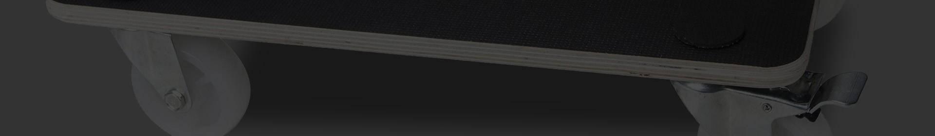 Plateaux en acier ou en contre plaqué